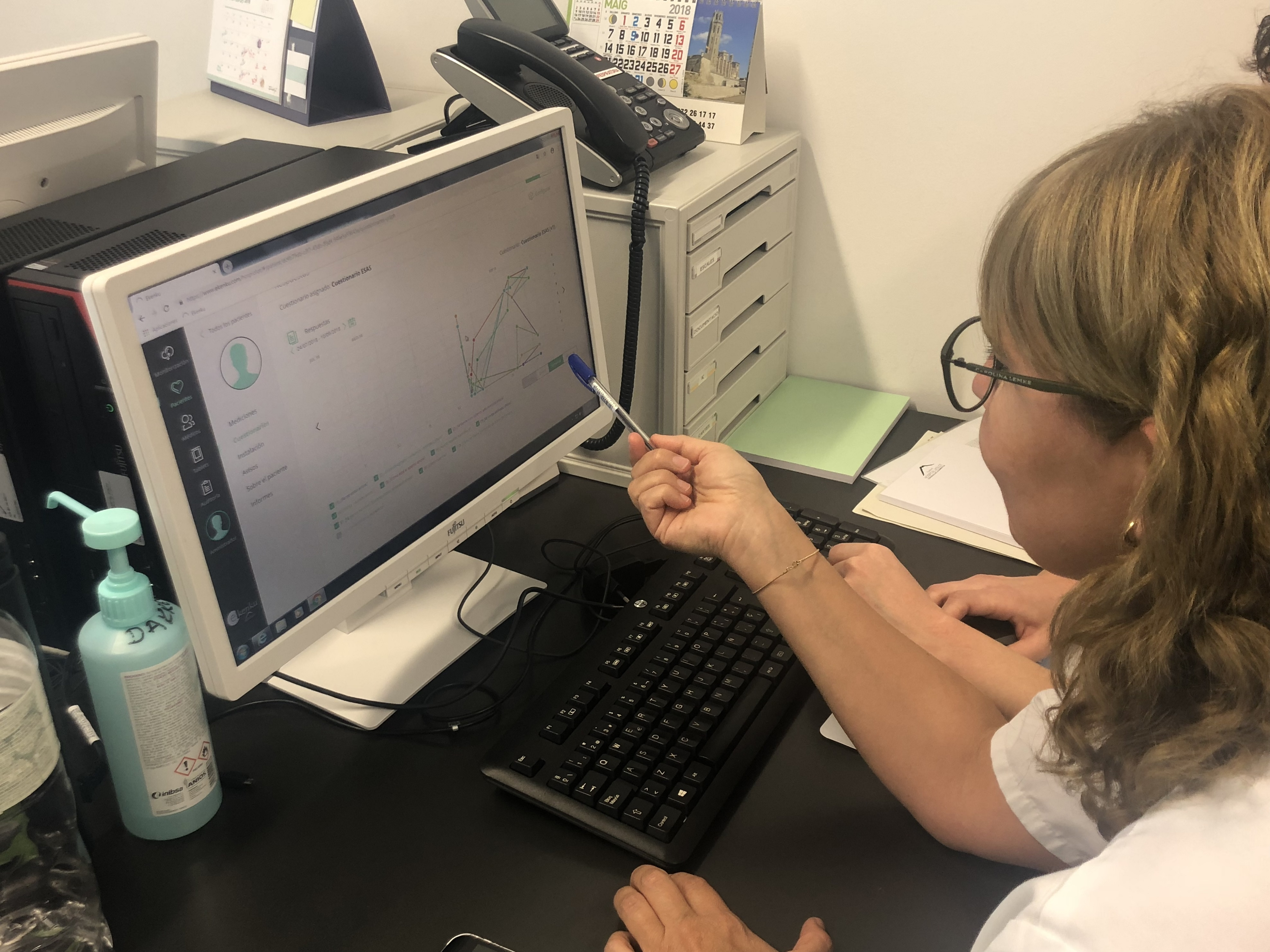 El equipo de PADES de la Fundació Hospital d'Olot inicia el trabajo en telemedicina con pacientes de curas paliativas